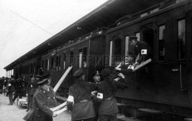 Rotes Kreuz hilft Patient 1914-1918