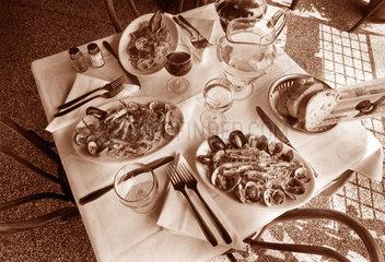 Gericht mit Muscheln