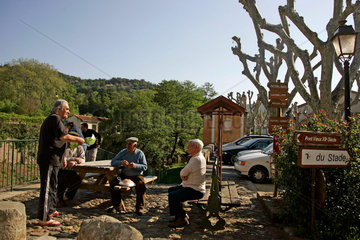 A French Village Revives the Franc