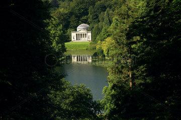 GB Stourhead - Garten Pantheon