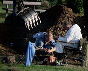 Germans uncover Nazi mass grave