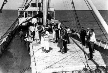 Party auf Schiff