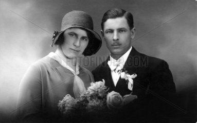 Paar mit sehr maennlicher Frau 1930