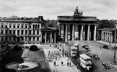 D-Berlin Brandenburger Tor ca. 1920