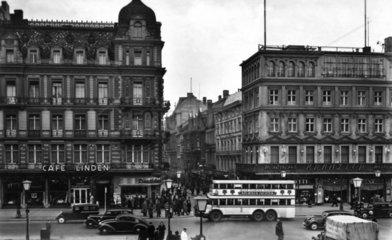 D-Berlin  1930  Cafe Linden und Cafe Kranzler