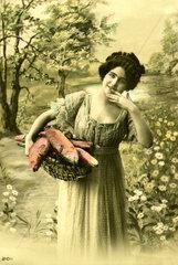 Frau mit Fischfang