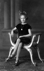 Vornehmes Maedchen  1920