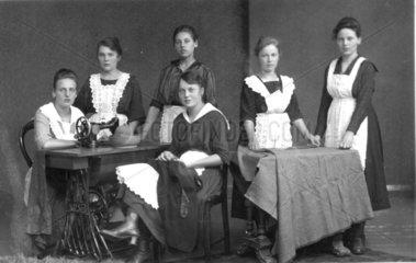 Haushaltsschule  1925