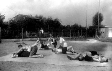 Ringer beim Training auf der Wiese