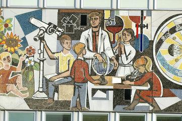 Fries Unser Leben am Haus des Lehrers in Berlin
