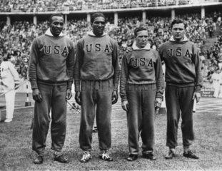 Afroamaerikanische und weisse Sportler bei der Olympischen Spielen 1936 in Berlin