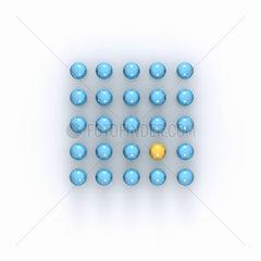 Quadrat aus 25 blauen Kugeln  eine ist gelb