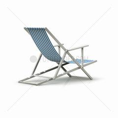 Liegestuhl mit blauen Streifen auf weissem Hintergrund