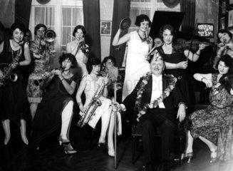 Frauenorchester Feier