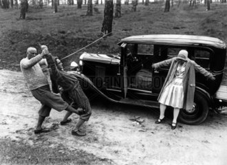 Mann rettet Frau vor Angreifer
