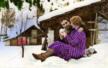 Paar in den Bergen
