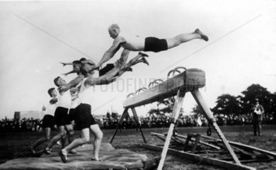 Turner springen 1930