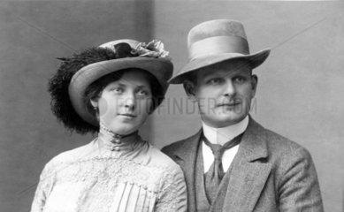 Paar mit Hut