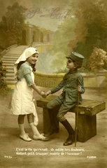 Maedchen und Junge als Soldat und Krankenschwester  1920