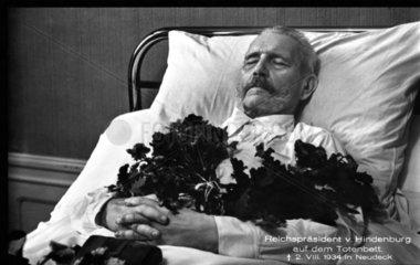 Paul von Hindenburg auf dem Totenbett