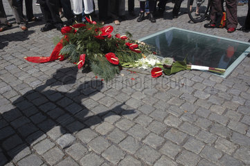 Deutschland  Berlin  Bebelplatz  Denkmal zur Buecherverbrennung