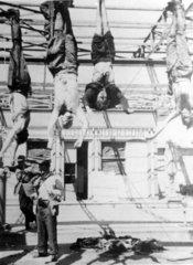 Gehaengter Mussolini und seine Geliebte
