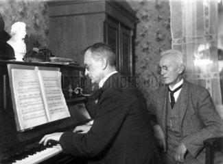 Klavierunterricht 1925