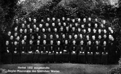 Gruppenbild: 84 Missionare  1932