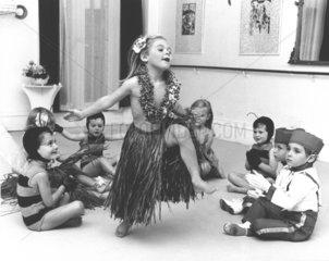Maedchen tanzt