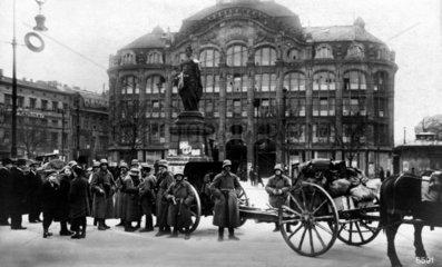 Berlin 1919 Polizei nach den Srassenkaempfe