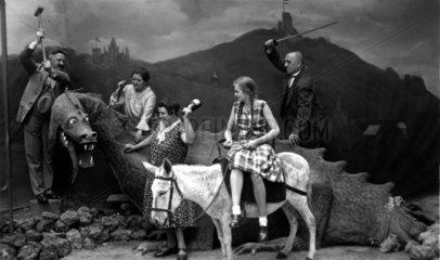 Theaterstueck Drachen Esel
