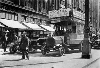 D-Berlin: Verkehrsregelung in Berlin um 1914