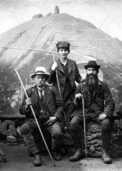 Drei Wanderer  1900