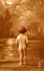 Nacktes Kind von hinten  1910