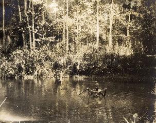 Schwarzer beim Fischen ca. 1920