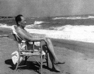 Mao Tse-tung sonnt sich am Strand