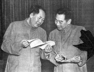 Mao Tse-tung mit Zhou Enlai