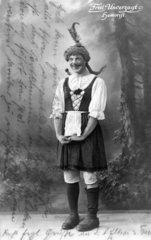 Mann als Frau verkleidet - Fred Unverzagt Humorist