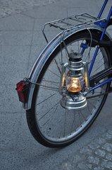 Fahrrad mit Petroleumlampe