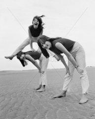 3 Frauen am Strand