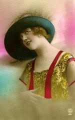 Frau mit grossem blauen Hut 1910