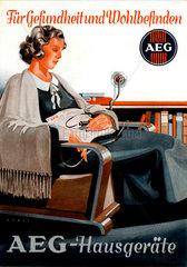 Frau mit Heizkissen  AEG Werbung  1936