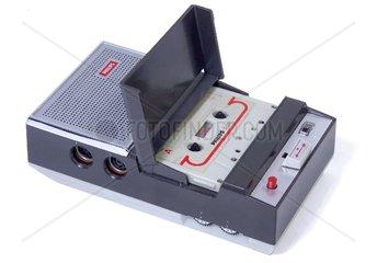 erster Cassettenrecorder der Welt