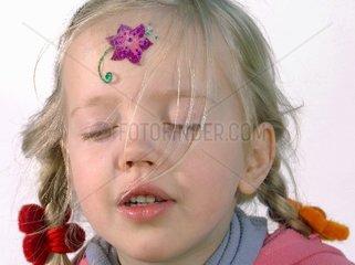 Portraet eines kleinen Maedchens