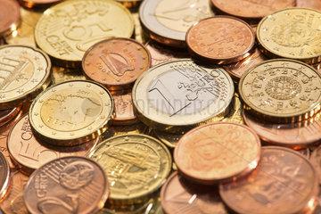 praegefrische Cent- und Euromuenzen