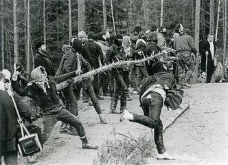 Anti-Atomkraft-Demonstranten in Wackersdorf  1986