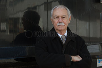 MENDOZA  Eduardo - Portrait of the writer