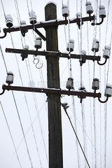 alte Stromleitungen in Nordhessen an der B252