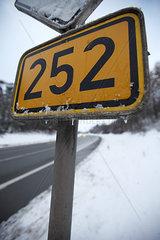 Schild in Nordhessen an der B252