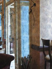 Spiegel in einem Cafe